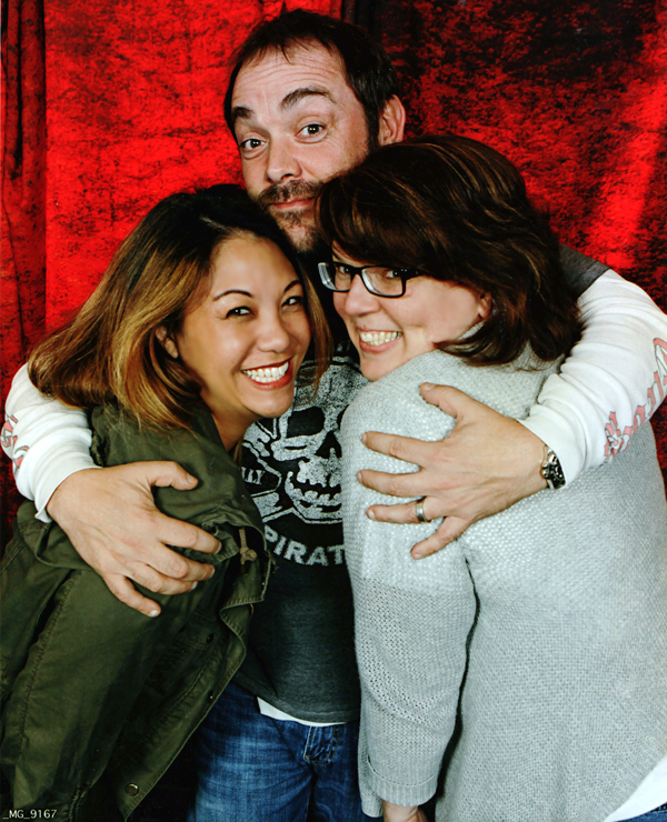 Supernatural BurCon 2013 Mark Sheppard photo op Nanea and Barbara