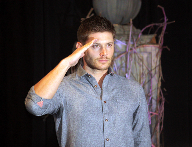 Supernatural BurCon 2013 retiring of Jensen's shorts 5