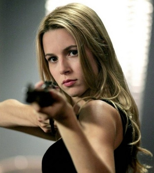 Alona-Tal-in-Supernatural-6