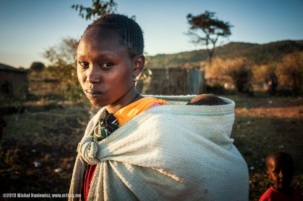 Masai mother by Michal Huniewicz is licensed under a Creative Commons Attribution 4.0 International License.