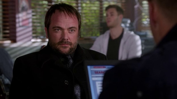 4 Supernatural SPN S9 E23 Crowley Mark Sheppard