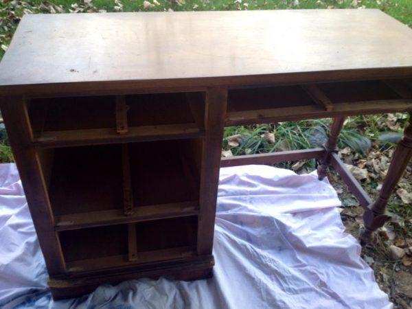 Desk 4