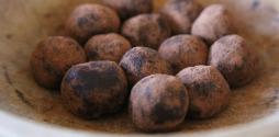 No-Bake Nutella Espresso Kahlua Cookie Truffles slide