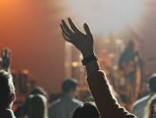 Concert-crowd-wp