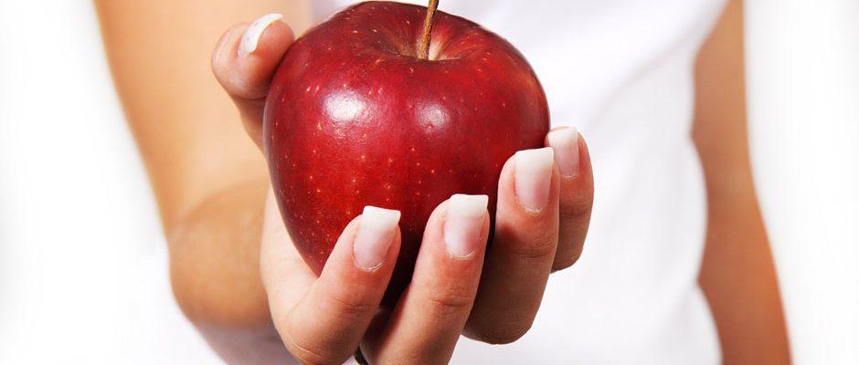 diet-apple-woman-wp