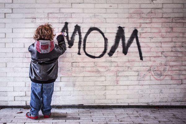 mom-grafitti