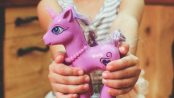 hands-purple-child-holding-wp