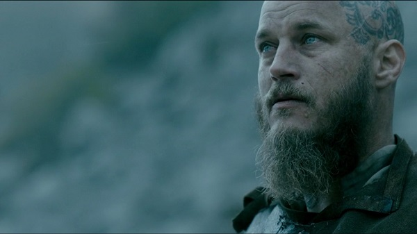 What thing(s) do/does Ragnar see following Bjorn killing the bear?