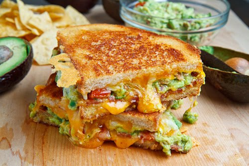 bacon-guacamole-grilled-cheese-sandwich-500-1953
