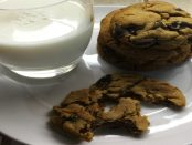 peanut-butteriest-chocolate-chip-cookie-sm