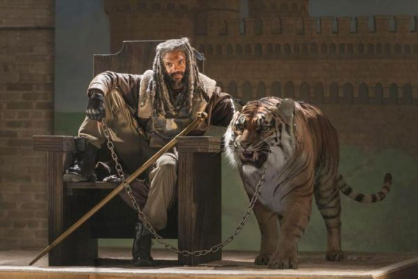 twd-s7e2-the-well-ezekiel-shiva-tiger