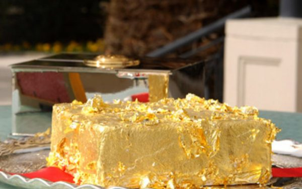 201202-w-strange-desserts-sultan_s-golden-cake