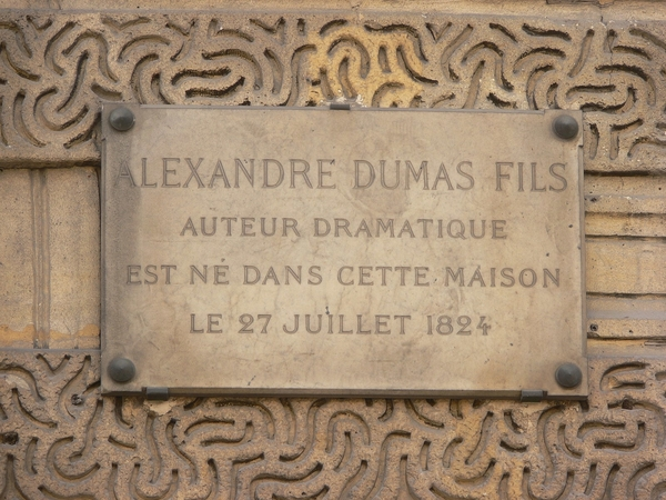 Photo 1. S&C Alexandre Dumas-fils